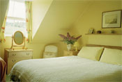 Mains of Murthly Cottages - double bedroom in Hhill Cottage