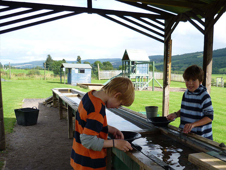Looking for gold at Highland Safaris