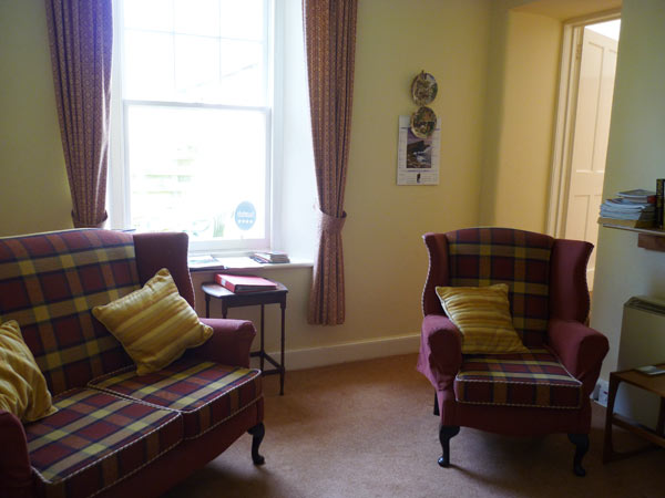 Mains of Murthly Cottages - Sitting room in Donalds Cottage